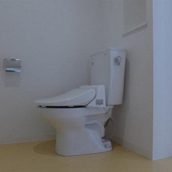 トイレ良し。(※写真は9階の同間取り別部屋のものです)(※仕様が一部異なる場合がございます)