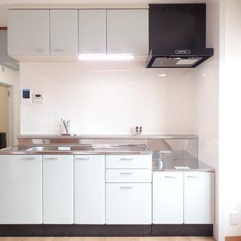 キッチンは薄い水色なんですよ〜!