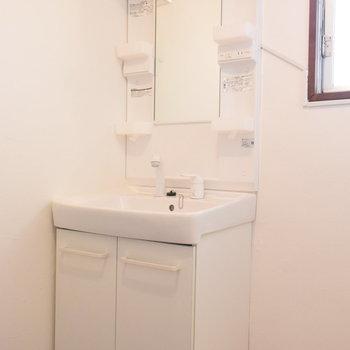 洗面台は機能性重視できれいに