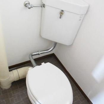 トイレもちょっとレトロかしら