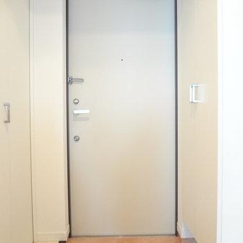 玄関も収納力抜群なの!(※写真は4階の同間取り別部屋のものです)
