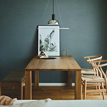こんな風に木を使用した家具もお部屋にぴったりです。※家具はイメージです。