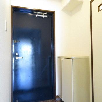 玄関は普通の大きさ