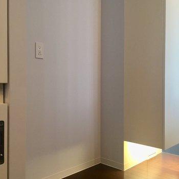 後ろに冷蔵庫置き場が。※写真は前回募集時のものです