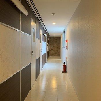 共用廊下もいい感じ