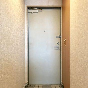 ワンルームだから部屋の中が見えないよう工夫が必要かも。(※写真は10階の同間取り別部屋のものです)