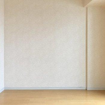 ベッドやソファを置くならこの壁寄せかな。(※写真は10階の同間取り別部屋のものです)