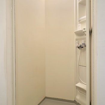 シャワーでパパっと済ませましょう