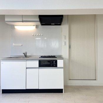 【LDK】キッチンは収納もしっかりしています。