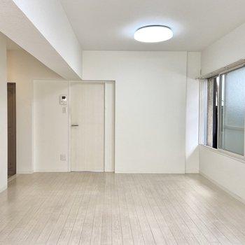 【LDK】お隣の洋室を見てみましょう!