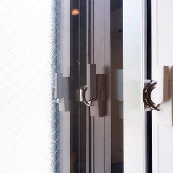 窓は3重サッシ。心置きなく演奏を楽しめそう。※写真は2階の同間取り別部屋のものです