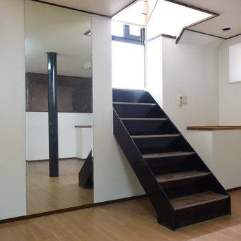 【1階】大きな鏡もついていますよ