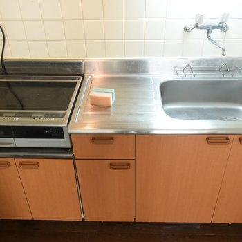 【2階】キッチンはIHコンロが設置済です