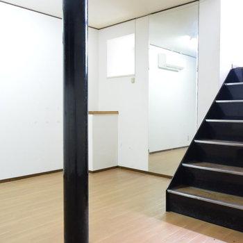 【1階】柱を上手に活用してくださいね