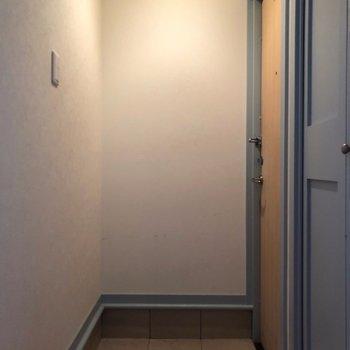 シンプル玄関。※写真は前回募集時のものです