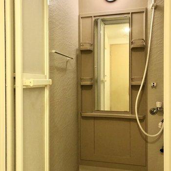 それでは浴室へ。※写真は同階の同間取り別部屋のものです