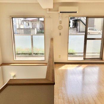 【DK】1階ダイニングスペースには大きな窓は2つ。※写真は同階の同間取り別部屋のものです