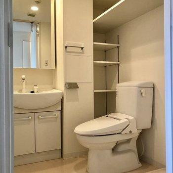 サニタリーはひとつのスペースにまとまっています。※写真は3階の同間取り別部屋のものです
