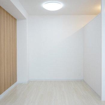 奥側は寝室に致しましょうか(※写真は5階の同間取り別部屋のものです)