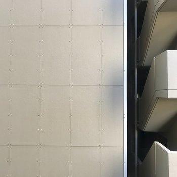 眺望は隣の建物です。