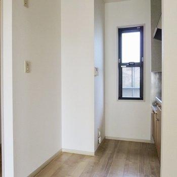 【DK】食器棚を置けそう、冷蔵庫はキッチン横に置くのがよさそう