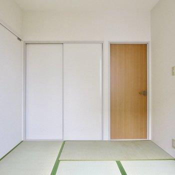 【和室】木の扉が和の雰囲気と合っていますね