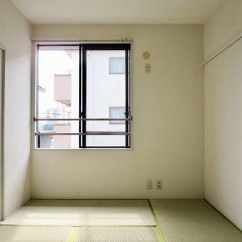 【和室】 畳の匂いが落ち着くな〜