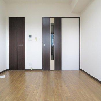 家具の配置はしやすそう※写真は同間取り別部屋のものです。