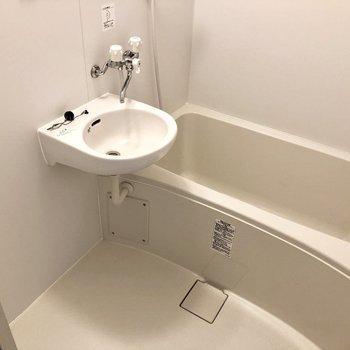 ゆったりめのお風呂!2点ユニットでおそうじラクラク☆