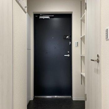 玄関は段差が少なめです