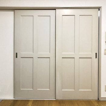 居室とキッチンは引き戸で仕切ることができるので匂いが移る心配もありません。
