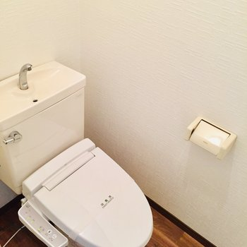 ウォシュレット付き! きれいなトイレ。
