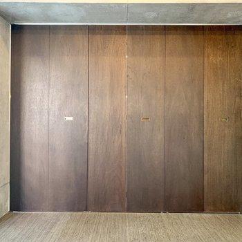 【洋室】寝るときは扉をしめて。