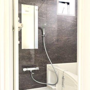 上品な浴室※写真は通電前のものです