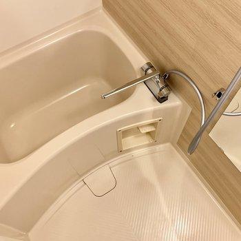 水栓は新品に交換し、ミラーも新設してパワーアップ!