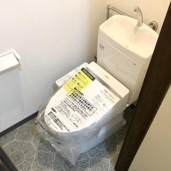 トイレもウォシュレット付き。この個室感が落ち着くなぁ。笑