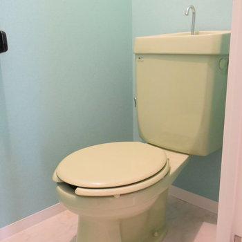 トイレはグリーンがアクセントに!