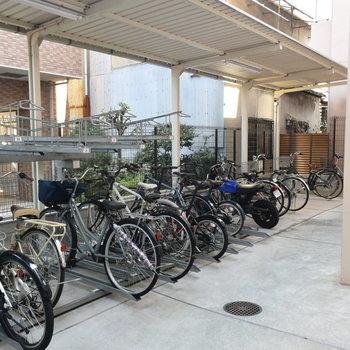 駐輪場はオートロックを抜けた先にあるので盗難の心配も少なくてうれしい