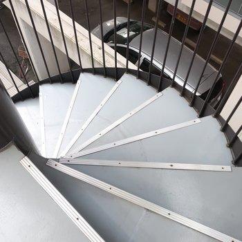 お部屋までは螺旋階段でGo!