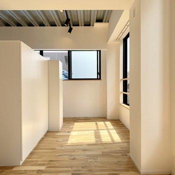 【LDK】その収納で空間を分けることも。