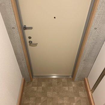 玄関はこんな感じで、毎日の帰宅が楽しみに。※写真は2階の同間取り別部屋のものです