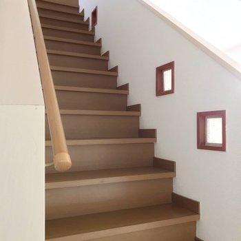 さて、2階へとのぼってみましょう。