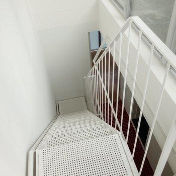 階段をのぼってさらに上へ。