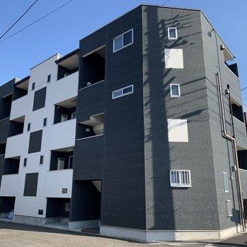 角地のアパートです。