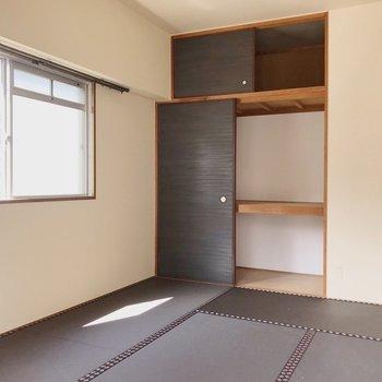 【和室①】収納は押入れタイプで洋服もお布団もまるっと入る!(※写真は清掃前のものです)