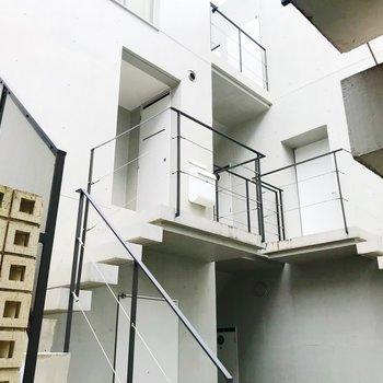 共用部。階段を上ったところにあるお部屋です。