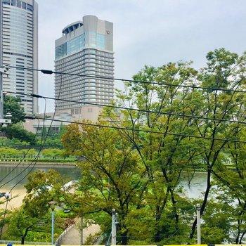 大川がしっかり見えます! 春には桜が綺麗そうですね♪