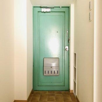 可愛い緑の扉