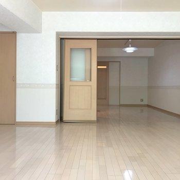 お部屋くるっと。 ※写真は1階反転間取り別部屋のものです