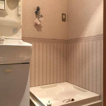 お隣には、洗濯機を置きましょう。 ※写真は1階反転間取り別部屋のものです
